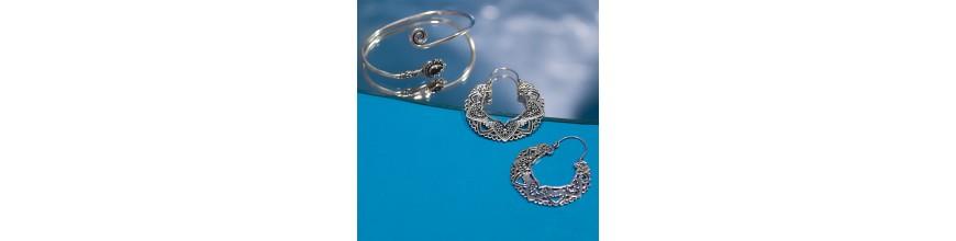 be9098a1f056 ¿Estás buscando auténtica bisutería de la India  En nuestra sección  encontrarás una amplia selección de anillos
